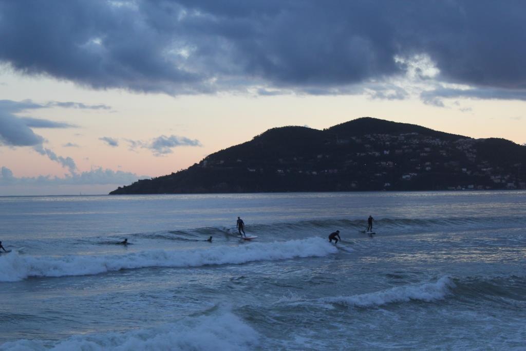 session surf glassy mediterrannée